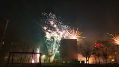 Das kleine Feuerwerk zum Jahreswechsel in Samtens (Rüganer Egon) Tags: 2020 samtens inselrügen vorpommern mecklenburgvorpommern deutschland rüganeregon