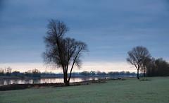 Quietly the time starts (Zoom58.9) Tags: sky clouds river water trees banks green nature landscape europe germany elbe hitzacker himmel wolken fluss wasser bäume ufer grün natur landschaft europa deutschland outside draussen
