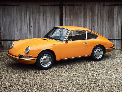 Porsche 911T 2.0 SWB (1968)