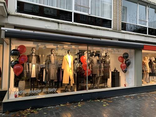 Tafeldecoratie 5ballonnen Gronddecoratie Black Friday LC Fashion Karel Doormanstraat Rotterdam