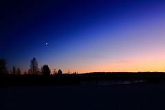 Venus and Moon_2019_12_31_0001 (FarmerJohnn) Tags: moon venus kuu sunset auringonlasku alkutalvi syystalvi earlywinter december joulukuu canonef1635lii28usm canoneos5dmarkiii canon suomi finland valkola anttospohja juhanianttonen