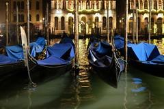 Venezia (Dominanosctre) Tags: venezia gondola night reflex