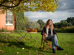 Mariëlle, Devon 2019: At peace (mdiepraam) Tags: marielle devon 2019 killerton nationaltrust garden portrait pretty gorgeous attractive mature fiftysomething brunette woman lady milf elegant classy scarf jeans denim tree house