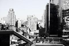 New York - The vessel (arin.hakopian) Tags: blackwhite schwarzweis usa amerika thevessel hudson newyork einfarbig america unitedstates monochrom black monochrome white mono