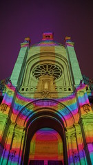 2019-12-31_18-04-51_ILCE-6500_DSC08077 (Miguel Discart (Photos Vrac)) Tags: brussels belgium bruxelles christians bru bxl 2019 catholicreligion 27mm chretiens christmas church night noche christmasmarket eglise highiso monnaie culte marchedenoel iso4000 lieudeculte focallength27mm focallengthin35mmformat27mm ilce6500 e18135mmf3556oss street xmas photography worship sony streetphotography noel nuit placeofworship photoderue plaisirsdhiver religioncatholique sonyilce6500 sonyilce6500e18135mmf3556oss