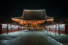 Sensoji temple (Mario Aprea) Tags: street travel japan night temple sensoji lights asakusa giappone nikkor 神社 お寺 日本 東京