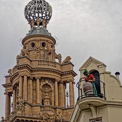Cellarman - on the roof! (Croydon Clicker) Tags: roof dome statues manikin barrel ornate figure pub theatre london westminster nikond700 nikkoraf28105mmd