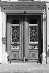 6 Rue Saint-Lazare (just.Luc) Tags: bn nb zw monochroom monotone monochrome bw door deur porte porta tür parijs parigi paris îledefrance france frankrijk frankreich francia frança europa europe