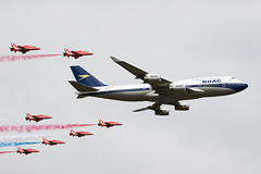 BOAC 747 and Red Arrows Flypast, RIAT 2019 (Peter Starling) Tags: international peterstarling riat royal tattoo aeroplane air aircraft airplane airshow display show 747436 boeing red arrows raf ba british airways special scheme retro
