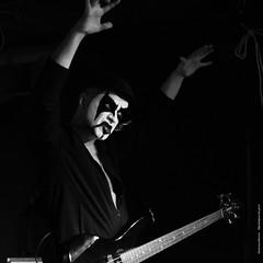 BO0O6701 (pataparat) Tags: canon1dx bw musica musik muzyka muziek música музыка music μουσικόσ μουσική musique musiikki concert people люди moscow moscú moscou moskau μόσχα russia ρωσία рокмузыка musician музыканты rock absurdrock pazormetal gig guitar guitare гитара bassplayer magicdrainpipe 80200l uratsakidogi