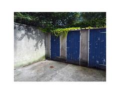 blue doors (chrisinplymouth) Tags: corner door blue plymouth devon england trait uk city xg cameo diagonal perspective cw69x r258 diag cornerpiece