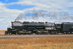 Challenger (Moffat Road) Tags: unionpacific up challenger 3985 4664 steam smoke steamengine steamlocomotive articulated egbert wyoming upsidneysub train railroad locomotive wy