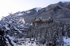 Fairmont Banff Springs Hotel (Anthony Mark Images) Tags: christmas winter canada mountains hotel alberta banff fairmontbanffspringshotel snow beautiful sunrise wonderful rockymountains bowriver beautifulscenery snowcoveredtrees canadianrockies fairmonthotels winterbeauty nikon d850 flickrclickx 山脉 bergen hory mgabundok montagnes berge βουνά הרים 山 산 fjellene góry montanhas горы montañas núi
