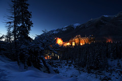 Early Morning Light (Anthony Mark Images) Tags: canadianrockies canada alberta mountains sunrise snowcoveredtrees snow firstlight bluehour banff bowriver beautifulscenery beautiful banffspringshotel fairmonthotels lovely nikon d850 flickrclickx 山脉 bergen hory mgabundok montagnes berge βουνά הרים 山 산 fjellene góry montanhas горы montañas núi