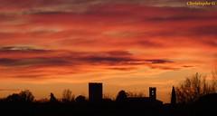Coucher de soleil sur le village d'Entraigues sur la sorgue (Vaucluse - 7 décembre 2019) (Carnets d'un observateur de la nature du Sud de la) Tags: automne entraiguessurlasorgue vaucluse provence nature nuage coucherdesoleil