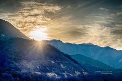SY_07167ex-19h03 (SYShin) Tags: sony a7r3 a7rm3 ilce7rmiii ilce7rm3 소니 fe24105g happynewyear 새해복많이받으세요 felizañonuevo añonuevo newyear sunrise amanecer puestadelsol sancheong corea korea sky sun sol cielo cloud nube monte mountain sunburst rayosdesol 햇살 새해 일출 경남 산청 하늘 태양 해 구름 산