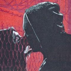 Rouge baiser (Gerard Hermand) Tags: 1904027922 gerardhermand france paris canon eos5dmarkii vitrysurseine streetart mur wall homme man femme woman baiser kiss grille fence