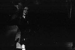 (pollution lumière) Tags: leica leicaflex sl2 kodaktrix400 blackwhitefilm blackwhite bwfp blancoynegro blancetnoir blackandwhitefilm durhamcomicon alteseinauge summicron50f2
