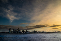 Liverpool Gold (Tony Shertila) Tags: england newbrighton britain europe liverbuilding mersey merseyside river wallart waterfront wirral ©2019tonysherratt 20191215114346