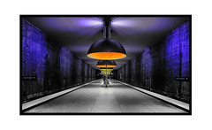 """"""" Leuchten - leuchten """" (antonkimpfbeck) Tags: ubahn westfriedhof münchen munich fujifilm architektur art"""