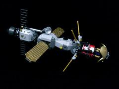 """OKZ Nachtigall"" orbital comms relay (Onkel Ton) Tags: starfighter lego moc scifi altbuild mak maktober space satellite microspace"