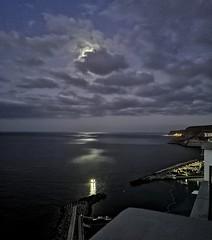 moonlight shadow (AxellH1) Tags: mond moon luna spanien espana spain kanarische inseln canary islands islas canarias gran canaria mogan puerto rico