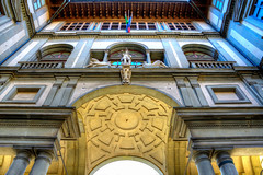 End of the square (Rapid Spin) Tags: piazzaledegliuffizi large square building architecture courtyard arch flags renaissance