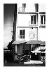 """""""Dans Les Traces Du Poulpe Ou Pour L'Attendrir Faut Taper Dessus... 8"""" (TBWLC Photography) Tags: fdrouet tbwlc nb bw monochrome street saintnazaire penhoët nikon d750"""
