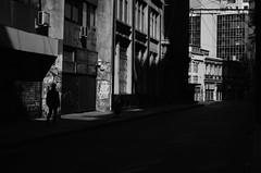 El Último (natan_salinas) Tags: valparaíso valpo streetphotography fotografíaurbana fotografíacallejera bw blackwhite blanconegro bn blancoynegro blackandwhite monocromático monochrome nikon gente look people city ciudad d5100 calle street 50mm architecture noiretblanc urbe urban urbano arquitectura luz light shadow sombras man hombre male