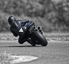 Rider (driver Photographer) Tags: 摩托车,皮革,川崎,雅马哈,杜卡迪,本田,艾普瑞利亚,铃木, オートバイ、革、川崎、ヤマハ、ドゥカティ、ホンダ、アプリリア、スズキ、 aprilia cagiva honda kawasaki husqvarna ktm simson suzuki yamaha ducati daytona buell motoguzzi triumph bmw driver motorcycle leathers dainese motorrad cross