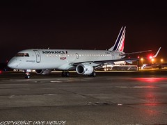 Air France F-HBLM HAJ at Night (U. Heinze) Tags: aircraft airlines airways airplane planespotting plane flugzeug night nightshot haj hannoverlangenhagenairporthaj deutschland germany eddv olympus omd em1markii 12100mm