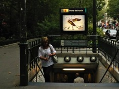 l'hiver n'est qu'un moment (*F~) Tags: paris france humans people memory street metro walking walkers time past present future