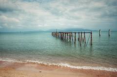 Bophut Beach (ValterB) Tags: valterb samui kohsamui island beach beautiful emerald water waterreflection pier old waves sea seasia seascape seaside sky skyline foam nikond90 nikkor nikon