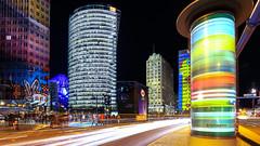 Und die Litfaßsäule dreht sich... (petra.foto busy busy busy) Tags: berlin langzeitbelichtung germany nachtaufnahme potsdammerplatz gebäude architektur festivalofflights fotopetra canon eosrp