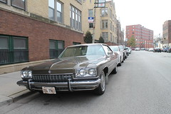 Poise (Flint Foto Factory) Tags: chicago illinois urban city autumn fall winter december 2019 north lakeview wrigleyville boystown neighborhood addison broadway intersection 1973 buick electra 225 hardtop coupe 9961 produced manufactured hometown flint michigan front threequarter view deuceandaquarter generalmotors gm luxury car auto automobile classic brown worldcars