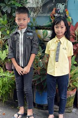 dressed for success (the foreign photographer - ฝรั่งถ่) Tags: feb272016nikon boy girl brother sister khlong lard phrao two nikon d3200 portraits bangkhen bangkok thailand happyplanet asiafavorites
