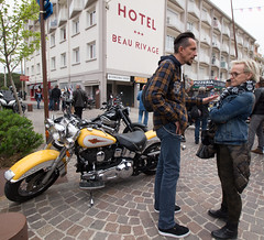 Conversation (L.la) Tags: 66 argelessurmer argeles pyrénéesorientales france roussillon europe 2019 biker bikers moto motorcycle harley harleydavidson laurentlopez lla canon canon100d canoneos canoneos100d eos100d eos grandangle wideangle
