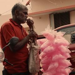 Cotton Candy #bangalore #seller #rose #hope #newyear #2020 #clickoncanon #clickonstreet #canon #canon1500d #canoneos #canoneos1500d #firstdayoftheyear #sweet #street #streetphotography (Ramki Ramesh) Tags: bangalore