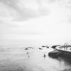 Bronte Beach Mono (StephEvaPhoto) Tags: dg 24mm primelens canoneos art sigma australia brontebeach canoneos6d prime nsw 6d fullframe easternsuburbs newsouthwales new south wales sigma24mmf14dgart f14 sydney mono blackwhitehighkey blackwhite highkey bronte beach