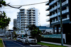 6th Ave,Maroochydore (Dreaming of the Sea) Tags: fencedfriday nikond7200 tamronsp2470mmf28divcusd sunshinecoast queensland australia greengrass greysky hff