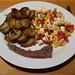 Bratkartoffeln mit Rosmarin und Mais-Feta-Tomaten-Salat zum kleinen Rinderhüftsteak