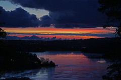 Friday (Leifskandsen) Tags: sunrise fjord coast norway skys clouds red archipelago sandvika bærum camera canon living leifskandsen leif skandsenimages scandinavia skandsen
