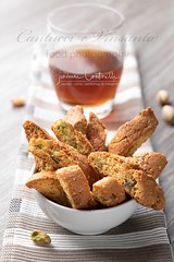 Cantucci e Vinsanto (Giovanni Contarelli) Tags: food homemade snack nopeople plate freshness crispy foodanddrink unhealthyeating table crunchy gourmet napkin drinkingglass studioshot closeup slice baked deepfried rustic everypixel cantucci vinsanto vino santo malvasia zibibbo