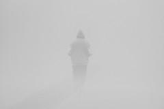 Corsa nella nebbia (Mango982) Tags: corsa nebbia running minimal