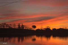 Despertando sentimientos... (cienfuegos84) Tags: amanecer sunrise sun sol polvoranca siluetas agua reflejos orange naranja nature naturaleza nube clouds cienfuegos84