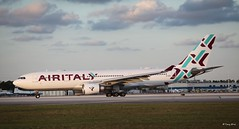 Airbus A330-200 (EI-GGN) Air Italy (Mountvic Holsteins) Tags: airbus a330200 eiggn air italy mia miami international airport