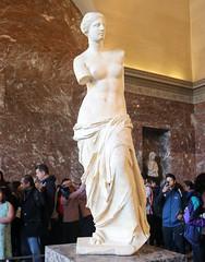 Març_0387 (Joanbrebo) Tags: venusdemilo estatua statue louvre paris fr france art arte museo museu museum musée gente gent people canoneos80d eosd autofocus