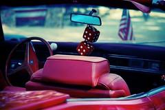 Le hasard... (Loran de Cevinne) Tags: lorandecevinne voituresanciennes americancars cars car dés hasard pentax vintage vintagecars rouge cuir drapeauaméricain cadillac convertible cabriolet décapotable steanastasiesurissole var provence france