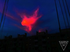 D4RK3RSKY BY D#27 (EK4T3 COLLECTIVE) Tags: ek4t3 hypnosiswave materiaobscura triangle magic ritual sky shadow red obscured noise black blue skyline lines high darkness night horror creepy nightmare darkart landscape milano italy