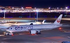 ボーイング777−200 Boeing 777-200 (ELCAN KE-7A) Tags: japan 東京 tokyo 羽田 haneda 国際 空港 international airportl 飛行機 航空機 airplane airline 国際線 ターミナル terminal 日本航空 日航 jal jl airlines ボーイング boeing 777 200 b777 ペンタックス pentax k3ⅱ 2019 日本 one world